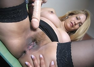 Free Dildo Porn Pictures