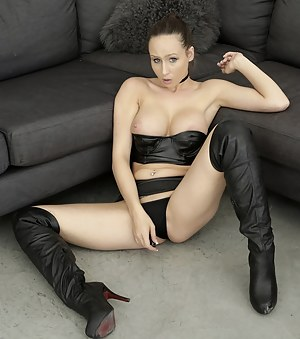 Free Leather Porn Pictures