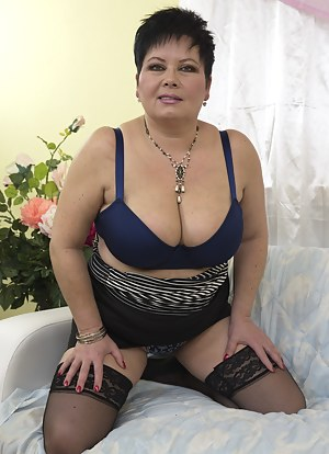 Free On Knees Porn Pictures